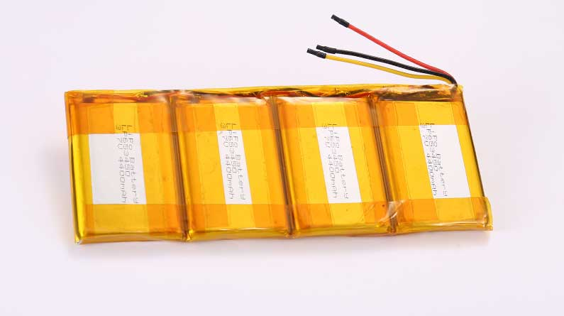 Lithium Polymer Akkus LP653450 4P 3.7V 4400mAh 16.28Wh mit Schutzschaltung & Drähten 50mm and 10K NTC